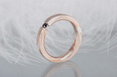 pierścionek mokume gane zczarnym diamentem