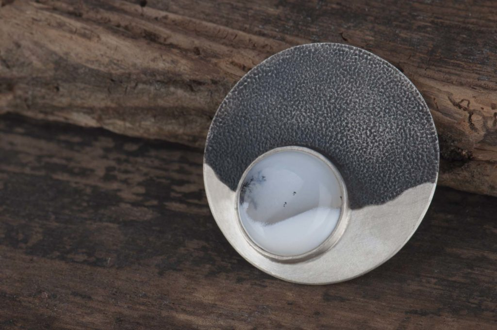 biżuteria spersonalizowana - broszka zgatem dendrytowym