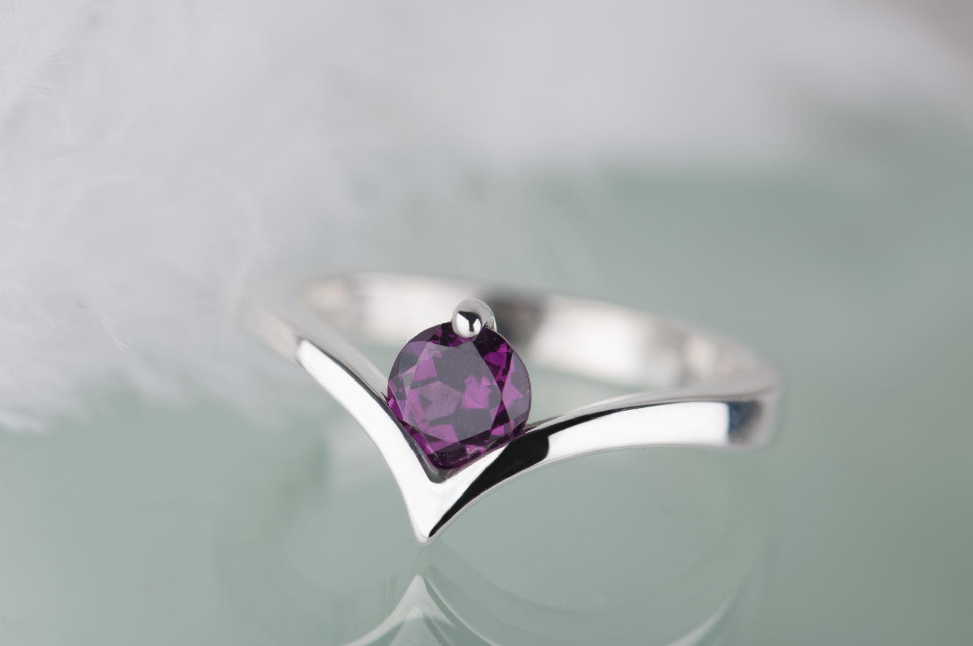 pierścionek zrodolitem