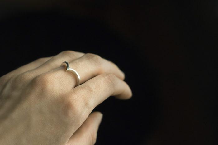 obrączka ślubna z diamentem