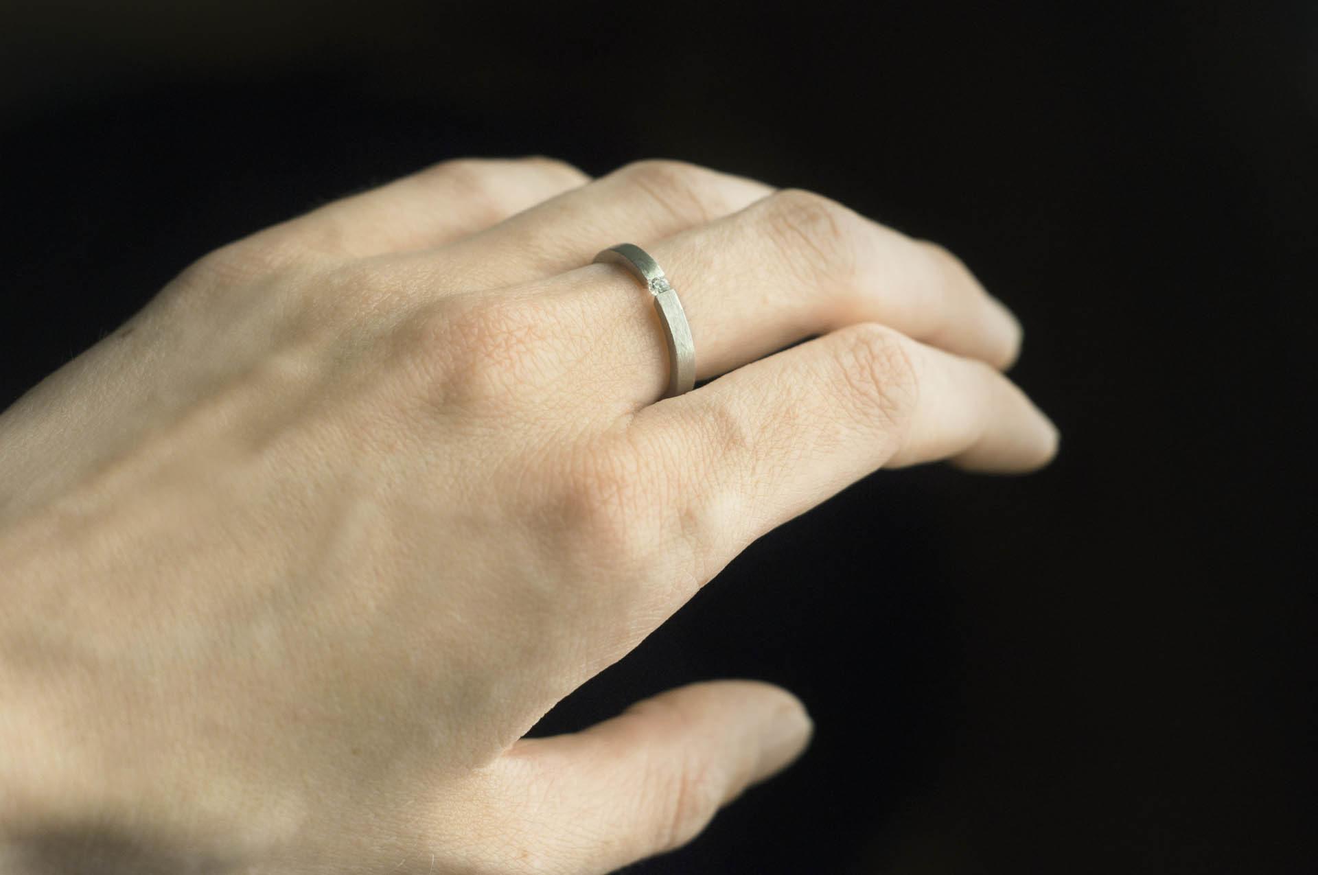 pierścionek z diamentem srebro