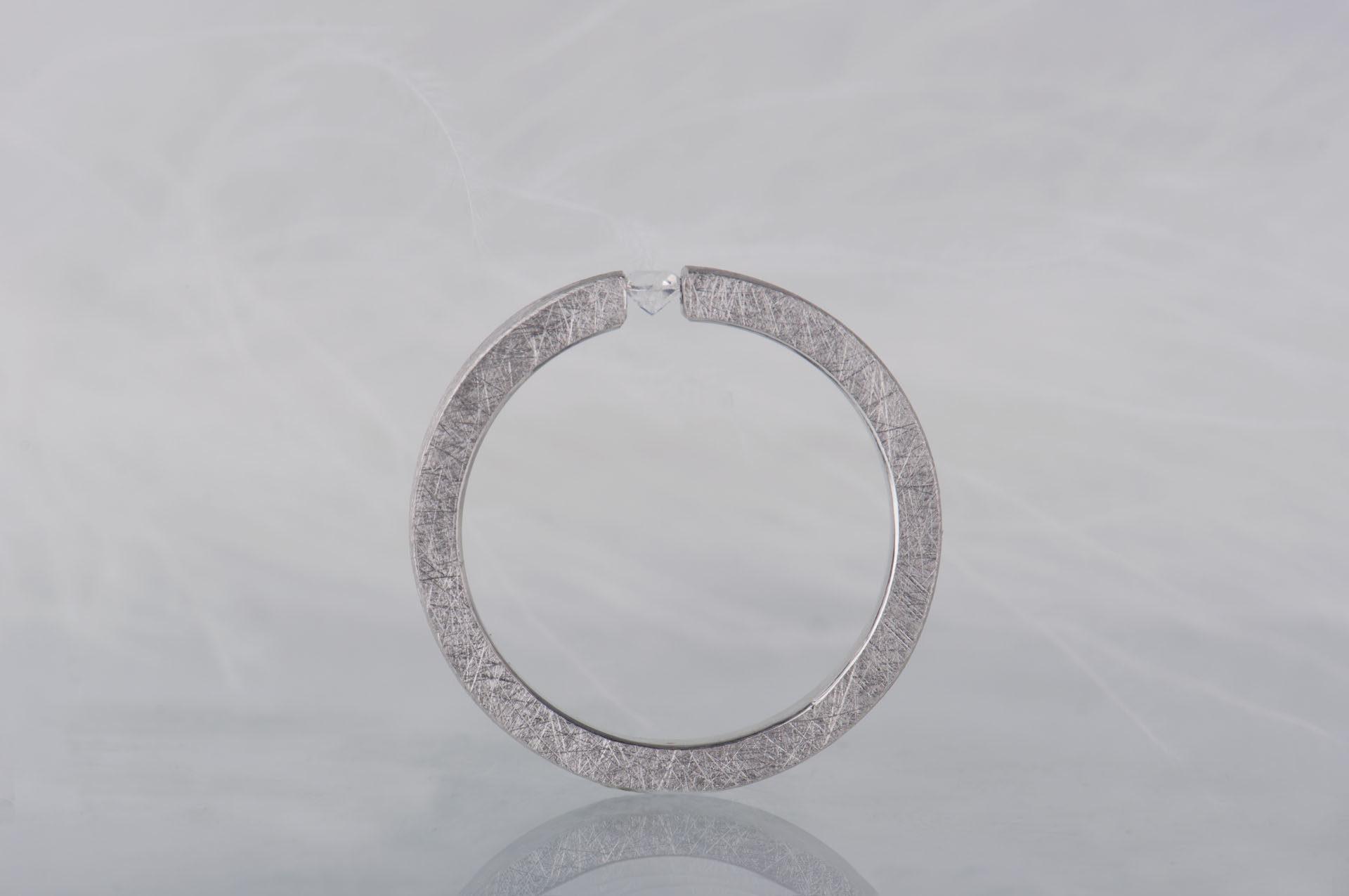 pierścionek z kamieniem księżycowym srebro