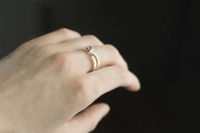 zestaw obrączka i pierścionek z kamieniem księżycowym