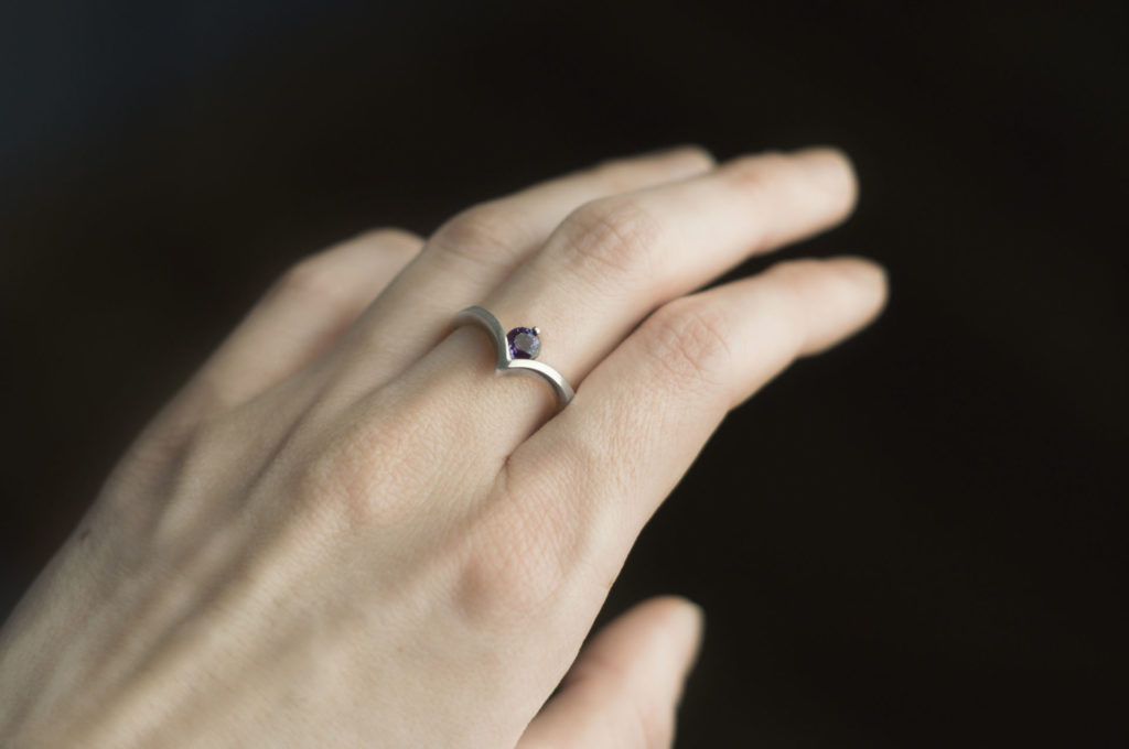 pierścionek zaleksandrytem