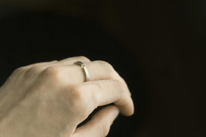 pierścionek z perydotem
