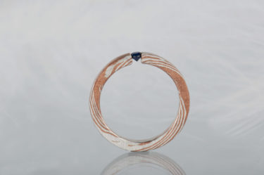 pierścionek z mokume gane z szafirem