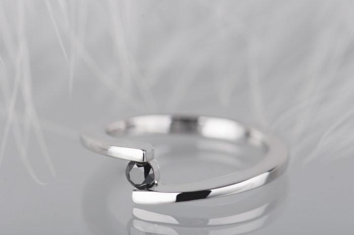 pierścionek modułowy z czarnym diamentem
