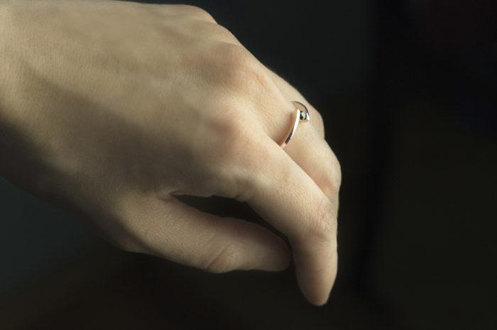 pierścionke z rózowego złota z diamentem