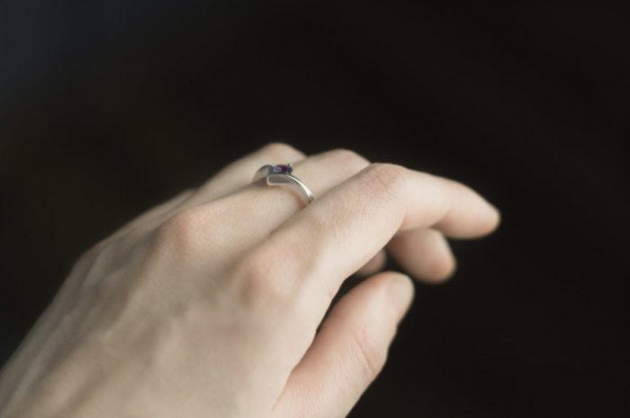 pierścionek ze złota z aleksandrytem