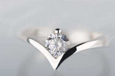 pierścionek ze srebra z moissanitem