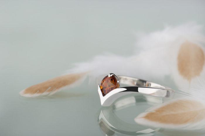 srebrny pierścionek z granatem spessartynem