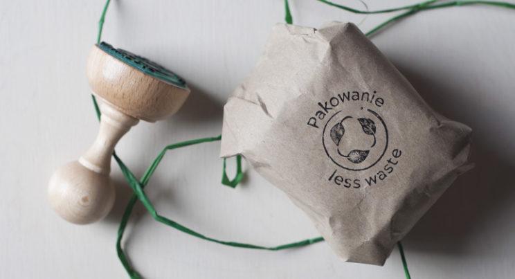 stempel znapisem pakowanie less waste