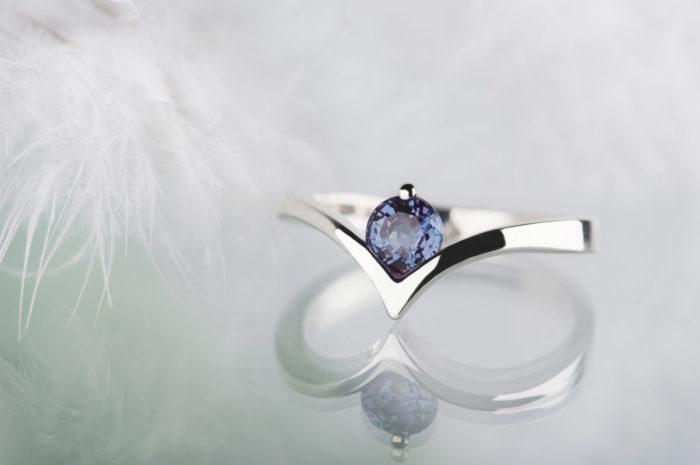 pierścionek zaręczynowy z aleksandrytem